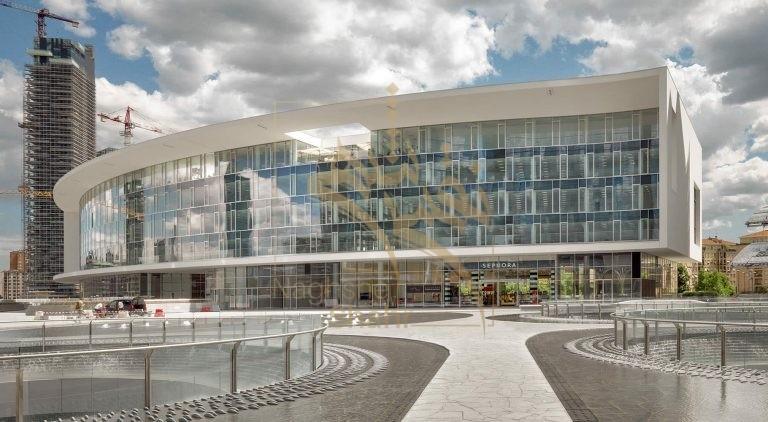 نمونه ای از استفاده از شیشه در طراحی نمای ساختمان